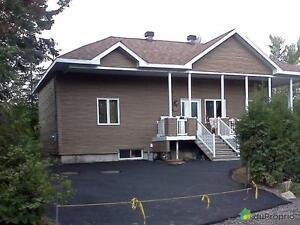 340 000$ - Bungalow à vendre à St-David-de-Falardeau Saguenay Saguenay-Lac-Saint-Jean image 2