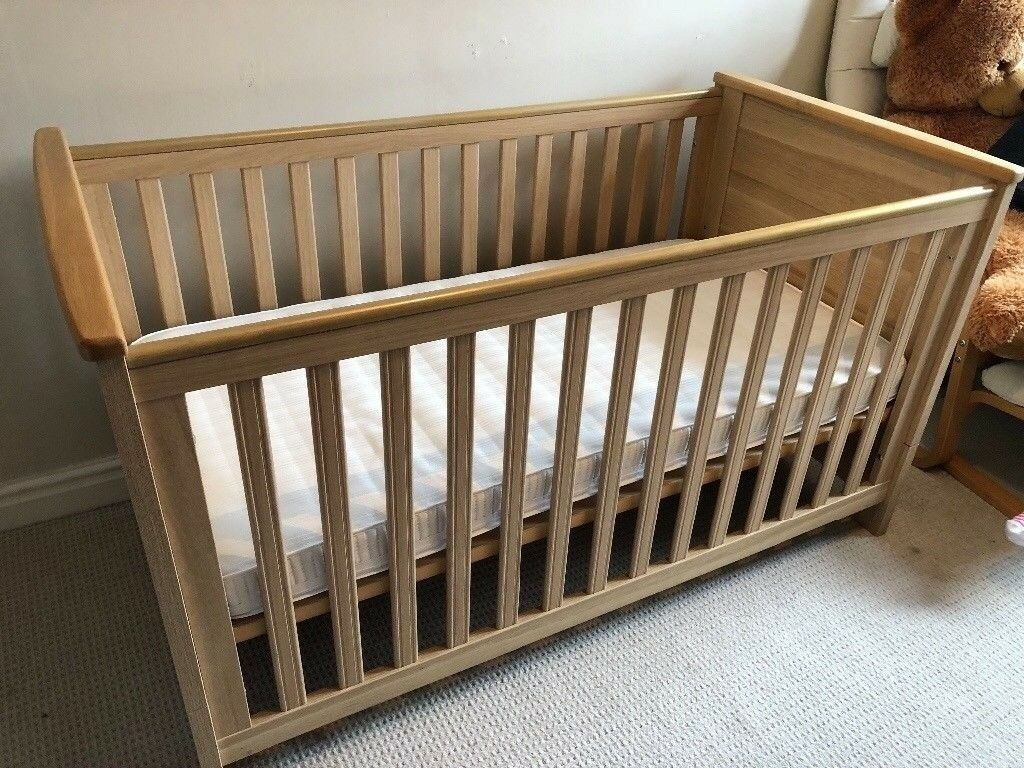 Babystyle Oakland Cot Bed And Drawer
