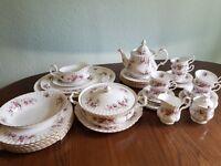 Lavender rose royal albert 40 piece dinner service and tea set