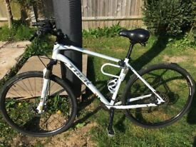 Trek 8.5DS Hybrid bike