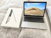 """HARDLY USED WITH NO MARKS OR SCRATCHES, CYCLE COUNT ONLY 43, BOXED MACBOOK PRO 2017 13"""" LAPTOP"""
