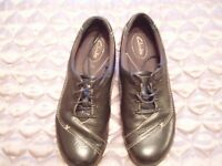 'Clarks' Ladies Comfortable Flat Shoes