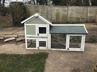 Free rabbit or guinea pig hutch