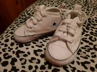 Converse crib shoes size 1 white