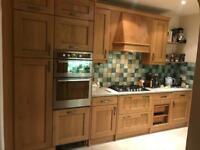 Oak Shaker Magnet Kitchen *Salvage* - Units & Hotpoint Appliances available.