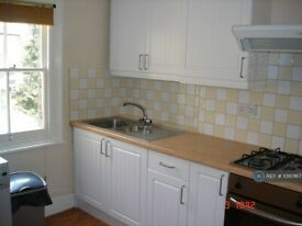 1 bedroom in Haldon Road, London, SW18 (#1080167)