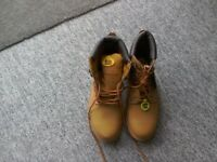 Brand new pair of boots size 12