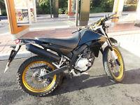 125cc Road Legal enduro XT125R - Black and gold