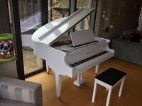 TESORO NERO - WHITE HIGH GLOSS BABY GRAND PIANO
