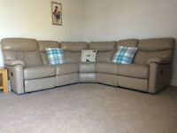 Beautiful soft, quality leather corner sofa with recliners - as new condition