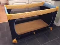 Hauck Foldable Travel Cot / Play Pen