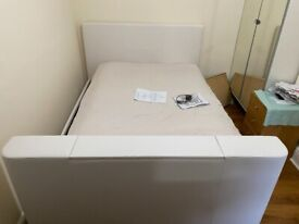 160cm Wide King Size Electric Bed *NEVER USED. SEE DESCRIPTION*