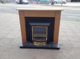 ELECTRIC FIRE WITH FULL SURROUND IN PERFECT WORKING ORDER