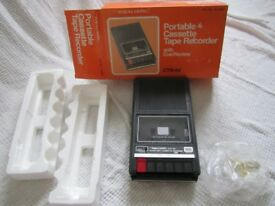 VINTAGE Realistic Portable Cassette Tape Recorder with Cue/Review CTR-60 and pristine original box