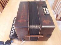 ACCORDION very old but working