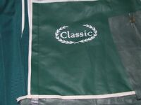 Bradcot Classic Awning 1050 in green,immaculate condition.