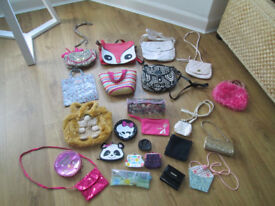 VARIOUS GIRLS HANDBAGS - FROM 50P - £2.00