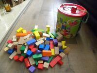 100 wooden bricks / blocks