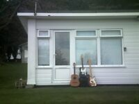 Beautiful one bedroom bungalow for short or long term rent