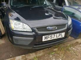 Ford Focus 2007 front bumper black and bonnet