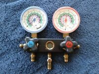 Pressure Gauges / Refrigeration Engineers manifold set