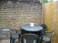 LARGE ROOM IN FOREST GATE - NO BILLS - PRIVATE LANDLORD.