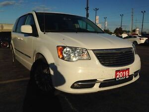 2016 Chrysler Town & Country Touring, Leather, Power Doors, Blue