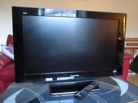 Panasonic Viera 32inch T.V. Freeview. HD Ready. Excellent Condition. £100 ono