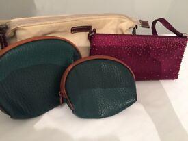 Set of 4 clutch bags