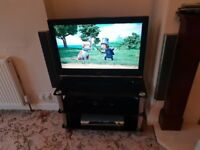Home Cinema (Sony DAV-DZ410), TV (Sony KDL 32S3000) and TV Stand