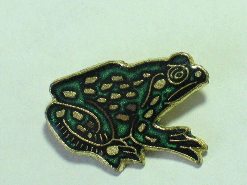 Vintage Spotted Frog Enamel Pin