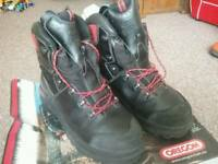 Oregon Chainsaw Boots size 12
