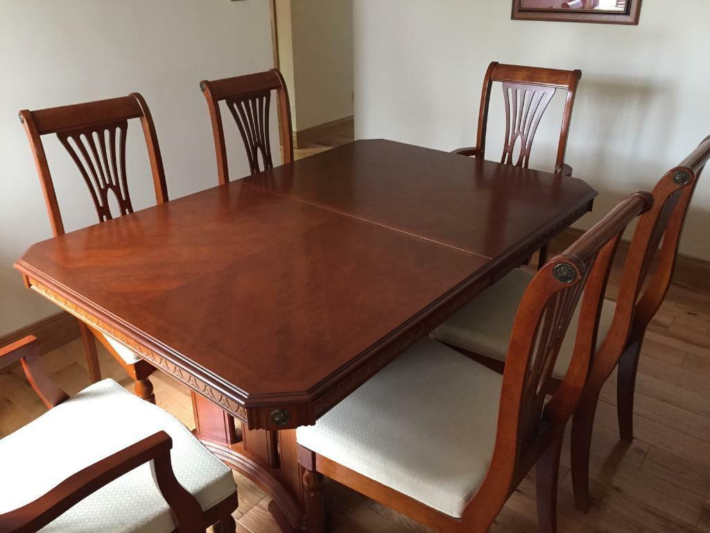 yew dining table and chairs seats 6 8 in stepps glasgow gumtree