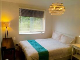 Massive Double Room with living Room £750pm