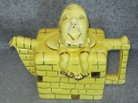 VINTAGE YELLOW AND GOLD LINGARD HUMPTY DUMPTY TEAPOT ENGLAND Rd.830.104 - 1930's