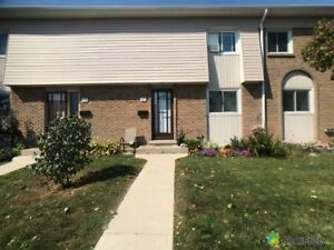 $343,000 - Townhouse for sale in Stoney Creek