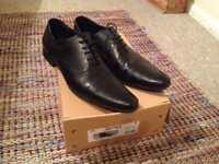 Men's black shoes size 11
