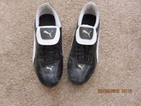 Girls / Ladies PUMA hockey shoes UK Size 6