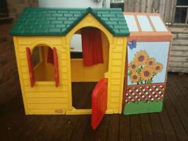 Little tikes outdoor/indoor play house