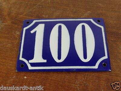 100 Antike Hausnummer original altes Emailschild erhabene Schrift Blau weiß 100