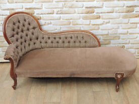 Stylish chesterfield style antique chaise lounge (Delivery)