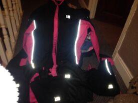 Girls karrimor sports wear size 8 fits age 11-12