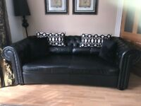 Grand chesterfield sofa