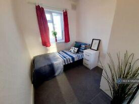 1 bedroom in Downhills Way, London, N17 (#1082006)