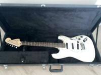 Fender Squier Deluxe Hot Rails Stratocaster (Olympic White)