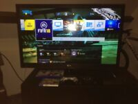 PS4 500GB + LG 42' FullHD + 2xcontrollers + FIFA18,Witcher, CREW . Bargain !