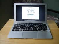 Macbook Air 2011 apple laptop Intel Core i5 processor in excellent condition