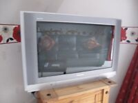 PANASONIC TELEVISION WITH FREEVIEW