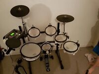ROLAND td8 V-drum with extras mesh pads