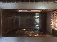 Integrated Whirlpool microwave